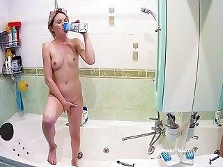 Sexy Naked Unicorn Spread out Bathes Milk & Tidy Inocente Body - Bianca Jordan